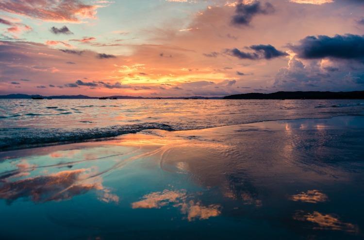 the-beach-1893714_1920